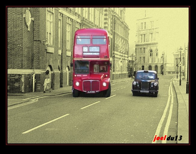 taxi noir et bus rouge de londres. Black Bedroom Furniture Sets. Home Design Ideas